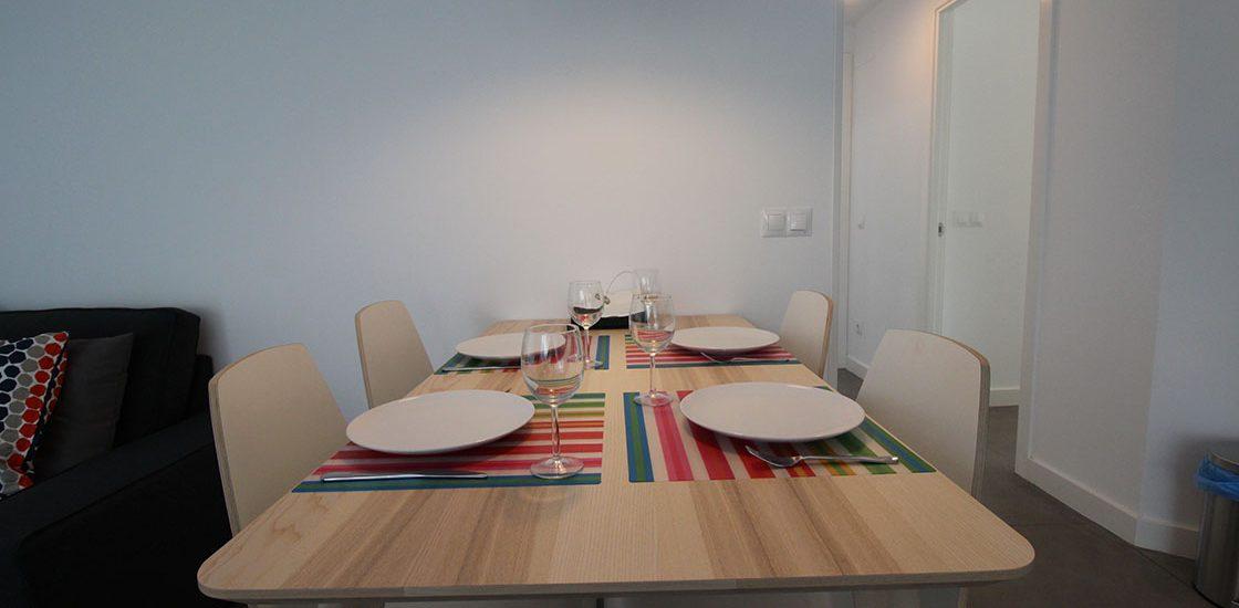 Mesa del comedor del Apartamento Sur